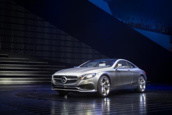 Mercedes-7162