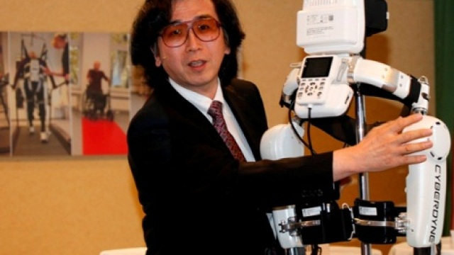 Uz pomoć robota pacijenti ponovo uče da hodaju