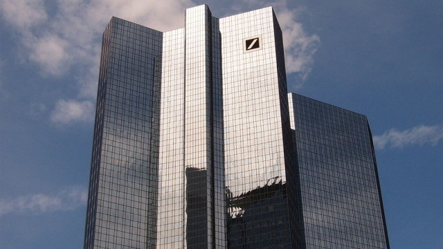 """""""Dojče banka"""" beleži za trećinu niži profit"""