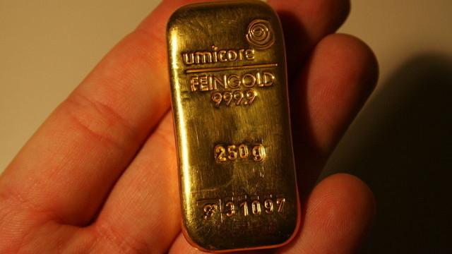 Mladoj Nemici dozvoljeno da zadrži zlatnu polugu