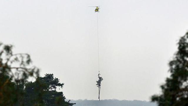 Nemci helikopterom spašavaju karanfile na Ederskom jezeru