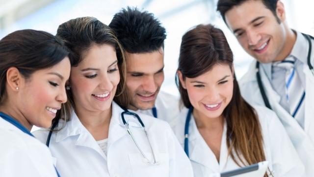 U Nemačku iz Novog Sada otišlo 200 medicinskih sestara