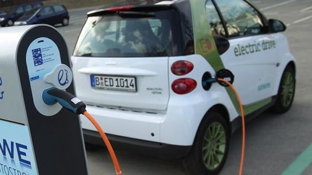 Na srpskim auto-putevima osam električnih punjača