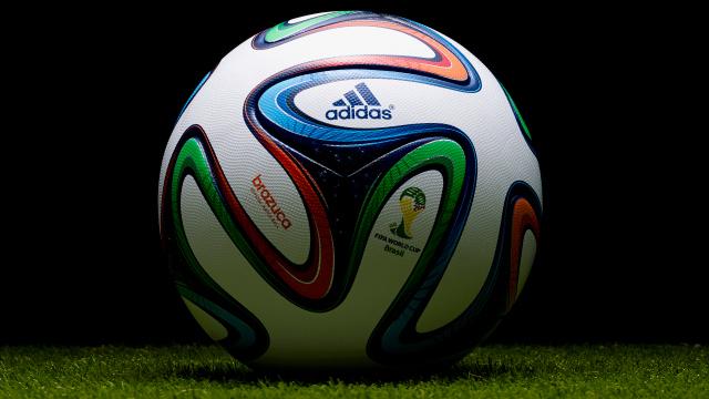 """Poklanjamo adidas fudbalsku loptu """"BRAZUCA TOP"""""""