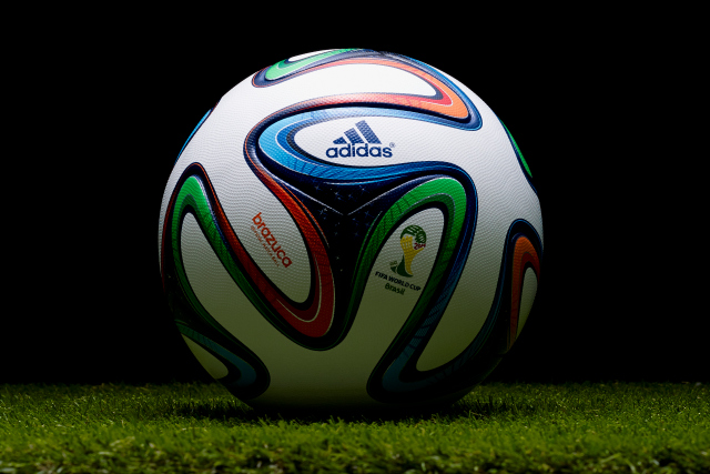 made-in-germany-rs-adidas-lopta-brazuca-w