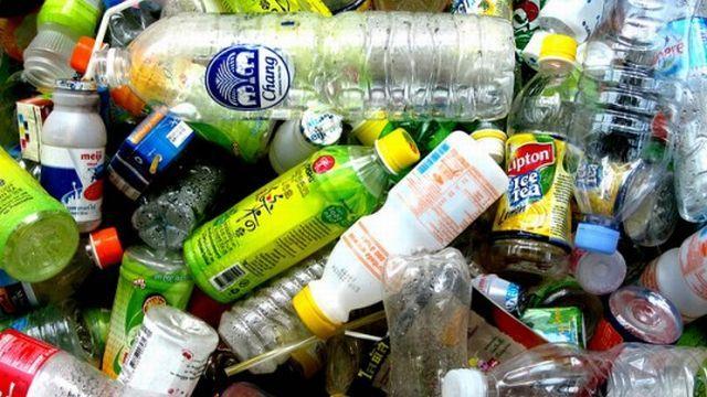 Srbija čeka odluku o zameni plastičnih flaša za novac