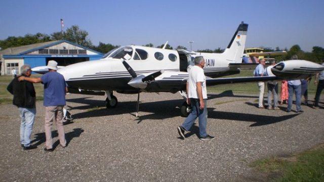 Avion iz Minhena prvi sleteo na Aerodrom Čenej