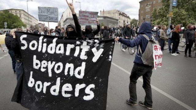Prvomajski protest u Berlinu, uprkos zabrani okupljanja