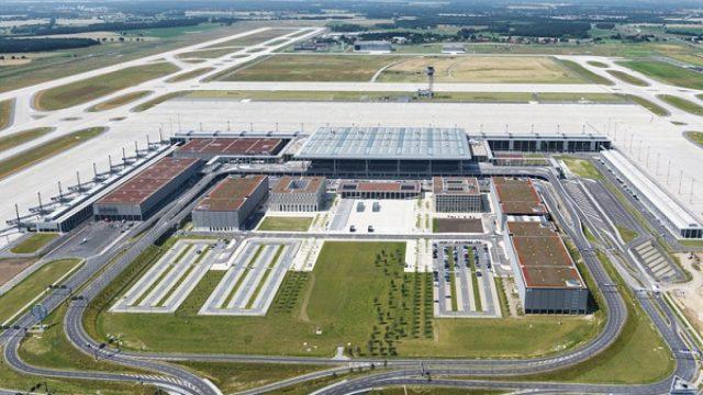 Otvoren aerodrom na koji je Berlin čekao 30 godina